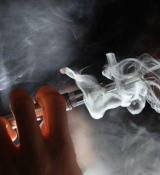 Trump desiste de prohibir la venta de cigarrillos electrónicos con sabor