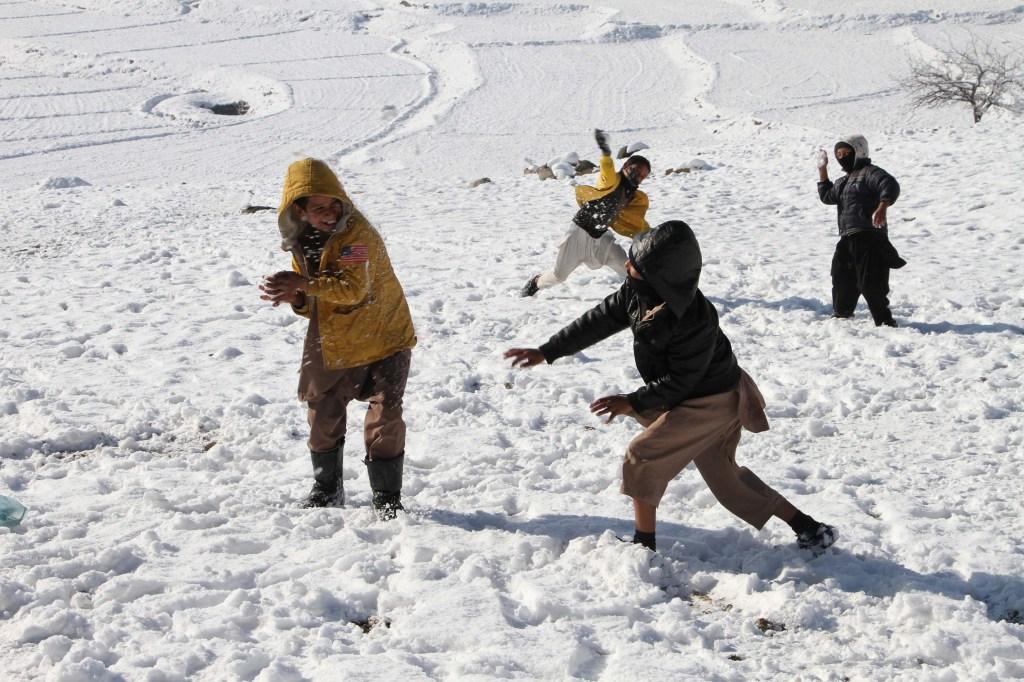 Peleas de bolas de nieve