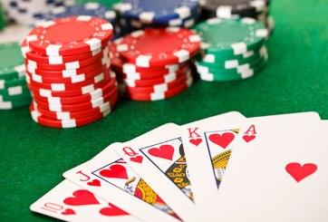 probabilidades de ganar con con las cartas que él sacó son de 1 en 20,348,320.