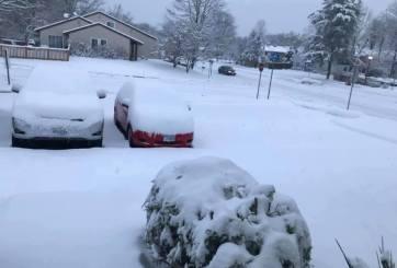 Escribió tierno mensaje en la nieve para su madre hospitalizada