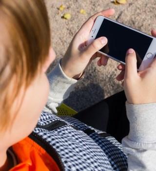 Uso excesivo de Smartphone está causando estas 6 lesiones en los jóvenes