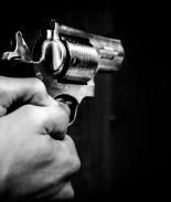 """Uno de ellos escribió en un chat que quería cometer un tiroteo así """"como el hombre que disparó en la escuela secundaria de Parkland""""."""