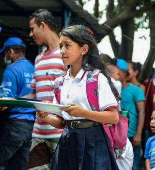 Con una cadena humana planean cruzar ayuda humanitaria a Venezuela