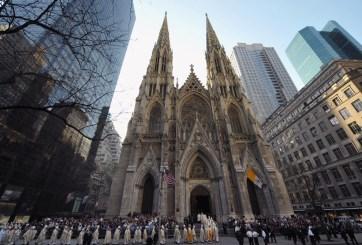 Atraparon a hombre con gasolina en catedral de San Patricio en NY