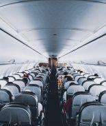 Aeropuerto ofrece vuelos falsos a quienes están desesperados por viajar