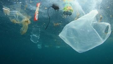 basura en el mar