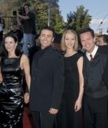 """""""Monica"""" compartió foto del elenco de 'Friends' antes de ser famosos"""