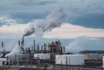 Explosión de refinería en Filadelfia causa masivo incendio
