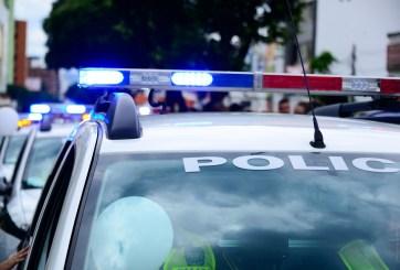 2 policías siguen atrapados en medio de tiroteo de Philadelphia