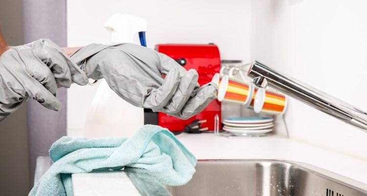 Hombre pagará millonaria indemnización por no ayudar en tareas del hogar