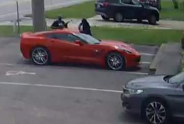 Dos hombres asaltan vehículo con rifle en Lakeland