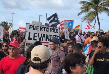 Grupos boricuas en Orlando forman foro; esperan decisión de Rosselló