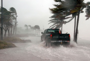 Barry pasó a ser huracán Categoría 1 mientras se acerca a Louisiana