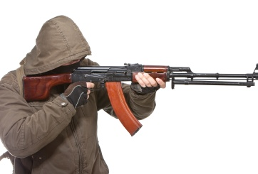Arrestan supremacista blanco de FL por planear otro tiroteo en Walmart