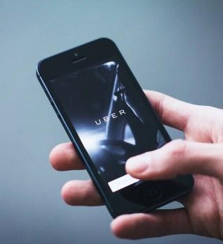 Denuncian mercado negro de cuentas de Uber tras ataque a una pasajera