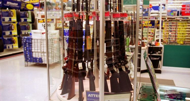 Walmart oculta videojuegos violentos, pero seguirá vendiendo armas