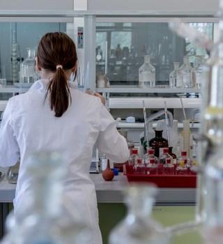 Probarán si vacuna funciona contra la cepa Sudafricana de Coronavirus