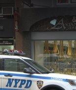 FOTOS: Tres hombres asaltan famosa joyería de NY a plena luz del día