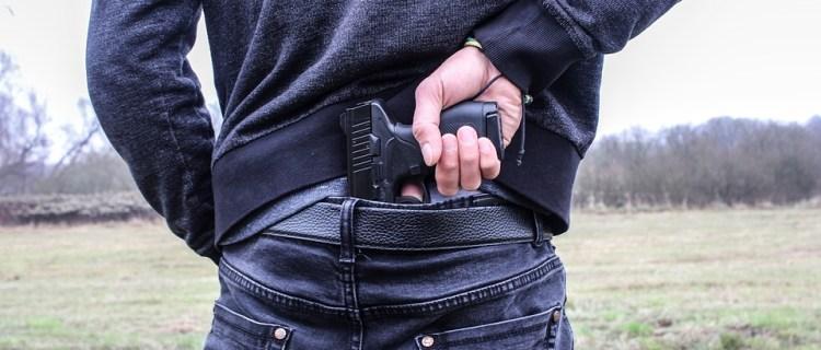 Buscan a joven responsable de tiroteo que dejó 6 heridos en Indiana