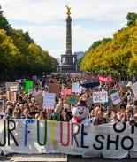 Estudiantes de todo el mundo lideran protesta contra la crisis climática