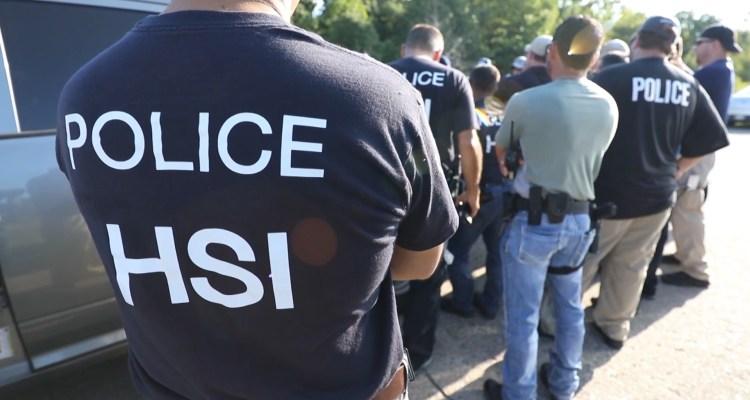 ICE estaría utilizando Facebook para engañar y capturar indocumentados