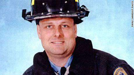 Un bombero muerto el 11 de septiembre es identificado 18 años después