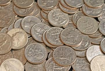 Supermercados piden pagos con tarjeta debido a escasez de monedas