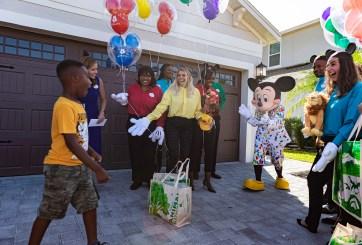 VIDEO: Disney sorprende a niño que ofreció comida a evacuados por Dorian