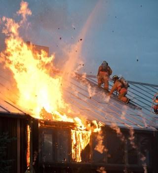 Al menos 10 incendios han ocurrido en Fairfax, buscan a pirómano