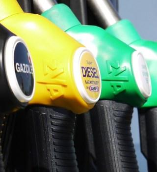 Gasolina en Texas supera los $2 por primera vez en menos de 11 meses