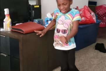 niña con discapacidad