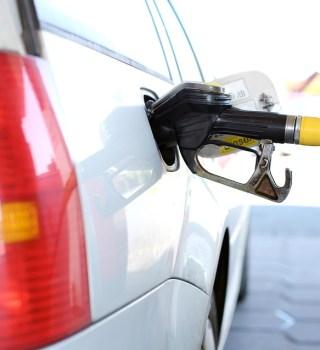 California prohibirá las ventas de vehículos nuevos que usen gasolina