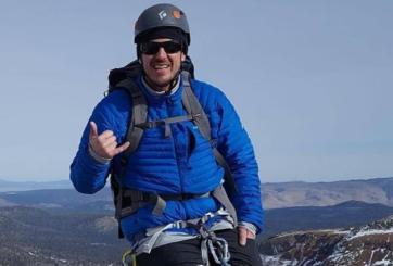 Encuentran cuerpo de excursionista desaparecido en la cima de glaciar