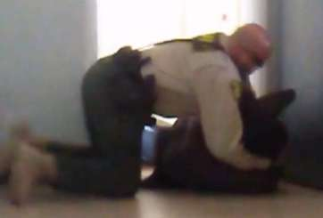 VIDEO: Oficial somete a adolescente afroamericano sin extremidades