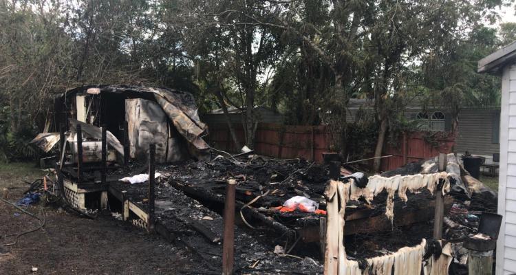 Incendio acaba con vivienda; deja un muerto y un herido en Hillsborough