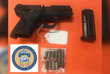 pistola encontrada en mochila