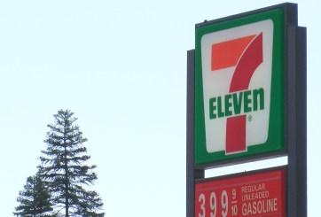 En corte sospechoso de ataque en estacionamiento de 7-Eleven