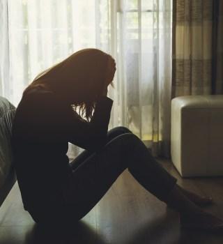 Tras muerte de mujer familia acusa a exnovio de orillarla al suicidio