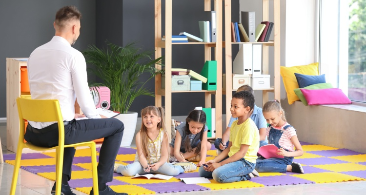 Gob. Polis quiere a estudiantes de primaria de regreso a las aulas