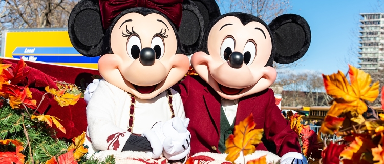 Personajes de Disney reportan que turistas las tocan inapropiadamente