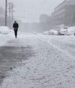 Tormenta de nieve y frío intenso abatirán a Colorado en pleno verano