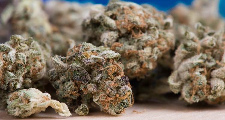 Illinois vende $3 millones el primer día de marihuana recreativa legal
