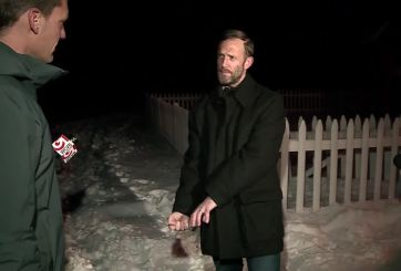 VIDEO: Padre estrangula a coyote que atacó a su hijo de 2 años