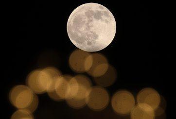 Así es como la luna nueva en Escorpio está cambiando tus relaciones