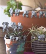 Niño hace tiernos koalas para vender y recaudar fondos para Australia