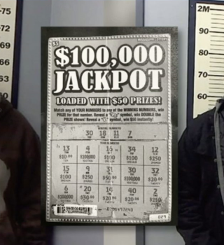 Arrestan a 2 hombres por pegar números ganadores en boleto de lotería