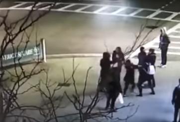 2 mujeres arrestadas por ataque racista contra madre e hija latinas