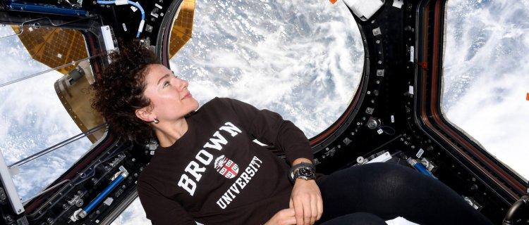 La astronauta Jessica Meir publica fotos en twitter desde el espacio