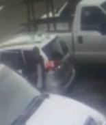 Roban auto a obrero hispano; policía pide ayuda para dar con ladrones