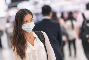 Virólogo alemán asegura que la pandemia apenas está empezando